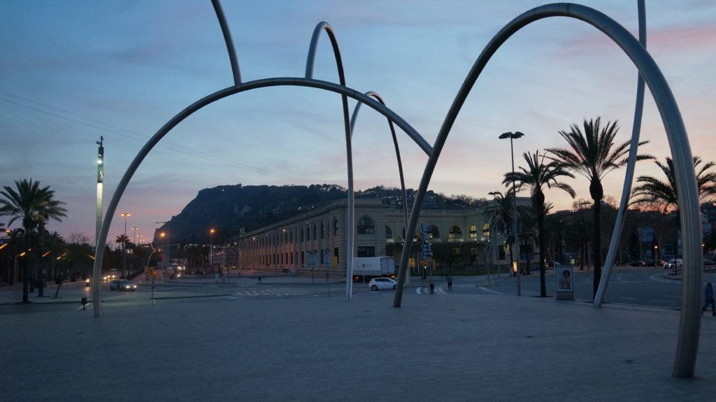 Вечерняя прогулка с детьми по Барселоне