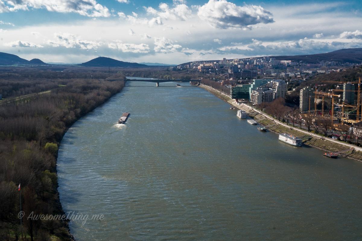 Вид с НЛО, Братислава