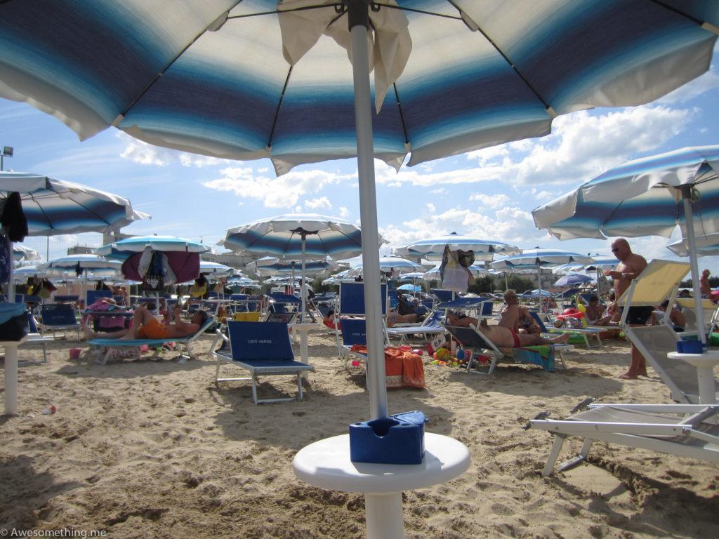 Пляж в Римини, Италия