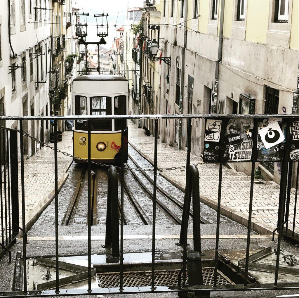 Трамвайчик в Лиссабоне