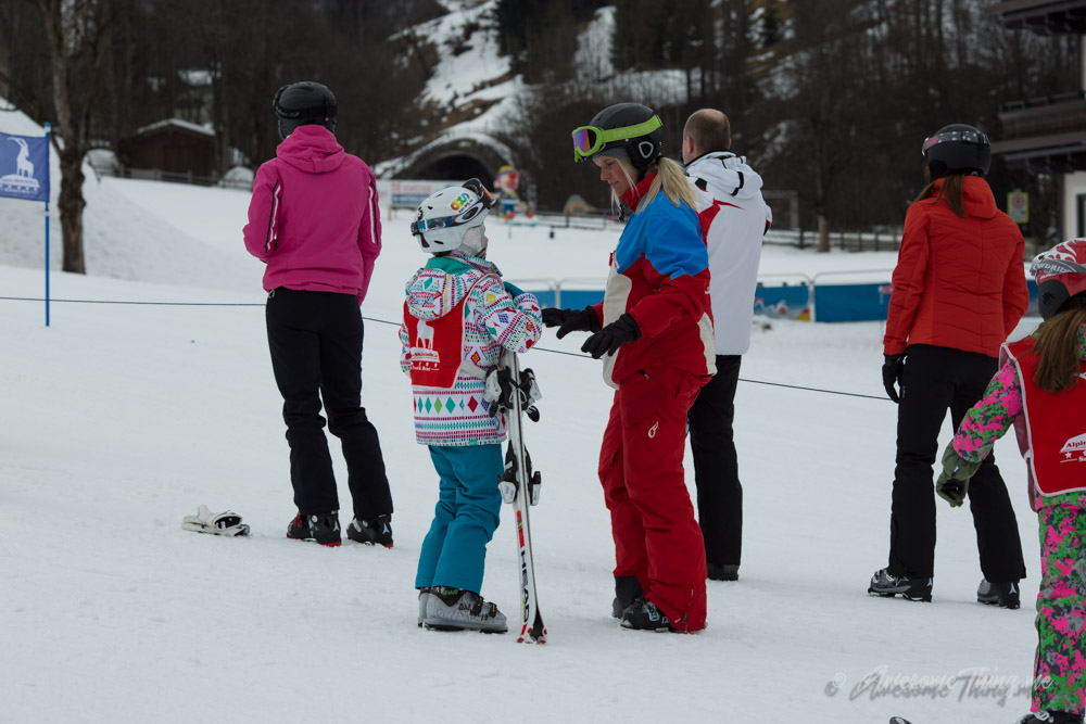 Ski school - лыжи с детьми